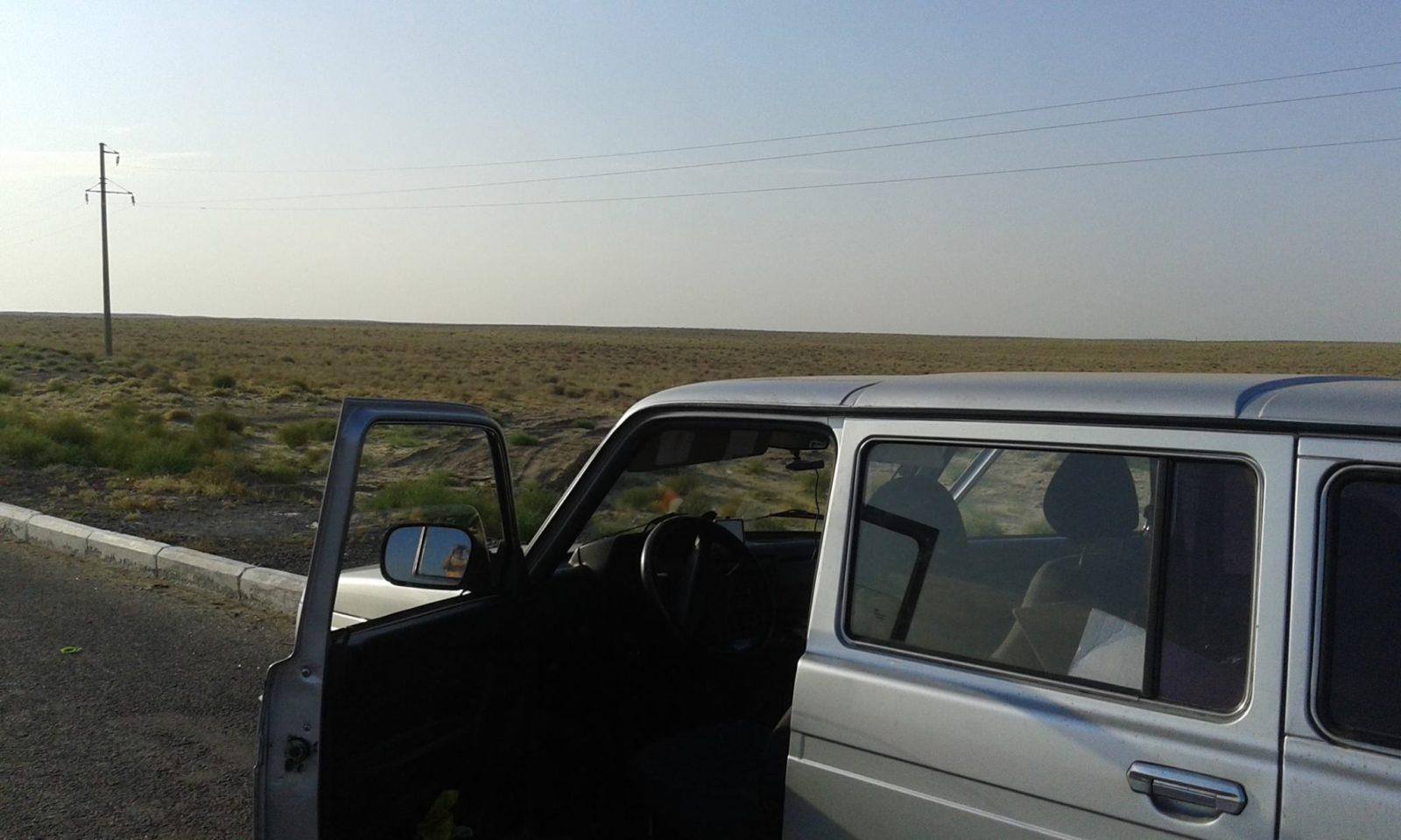 """Наша """"Нива"""" в казахстанской пустыне"""