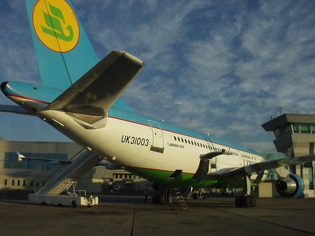 Узбекистан вводит краткосрочные визы для транзитников
