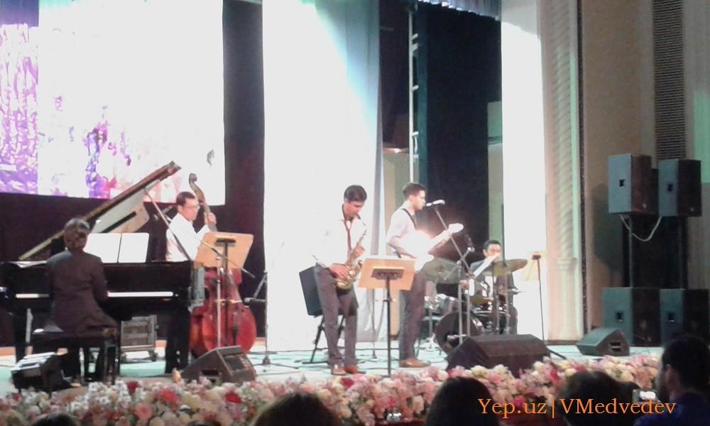 """На международном фестивале в Узбекистане Вит Бэнэш и """"Джаззирама"""" играют джаз"""