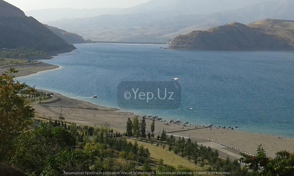 Вид на пляж на Чарваке