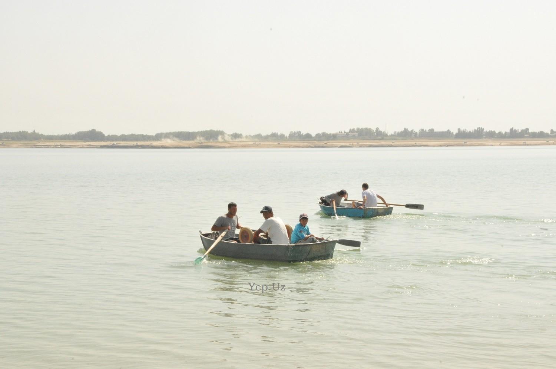 На Ташморе сегодня - люди в лодках