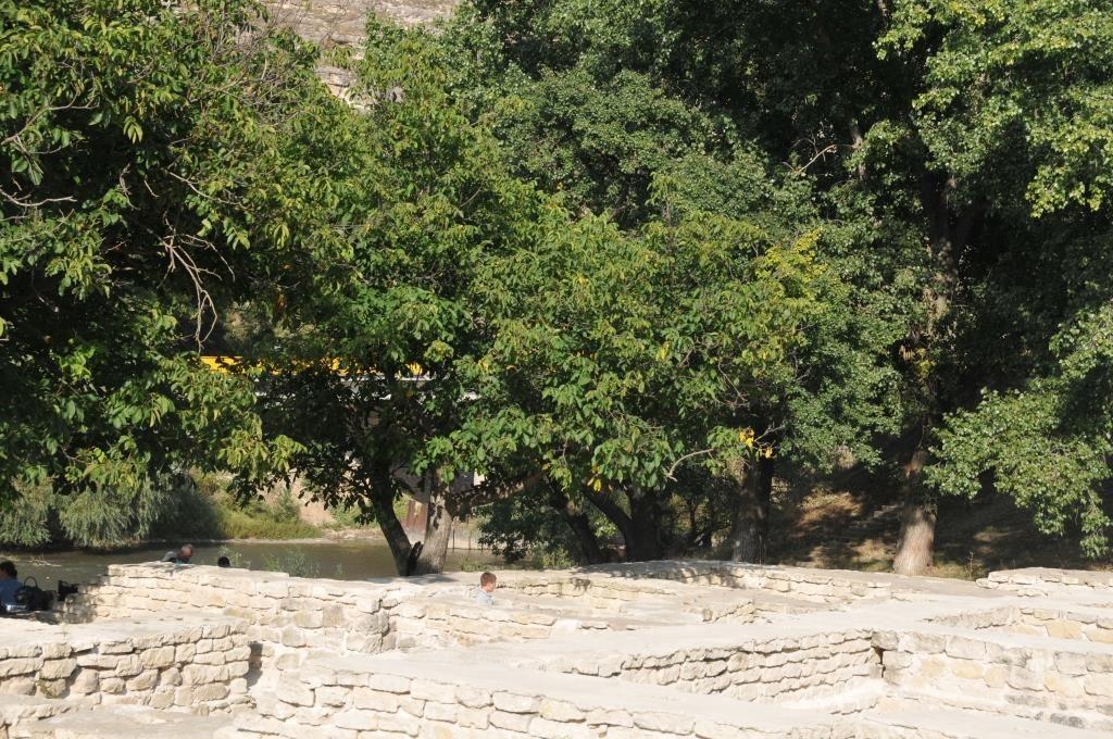 Руины золотоордынских бань в Старом Орхее