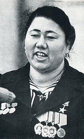 Турсуной Ахунова