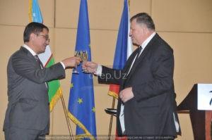 Посол Чехии Ярослав Сиро и вице-премьер Узбекистана Джамшид Кучкаров