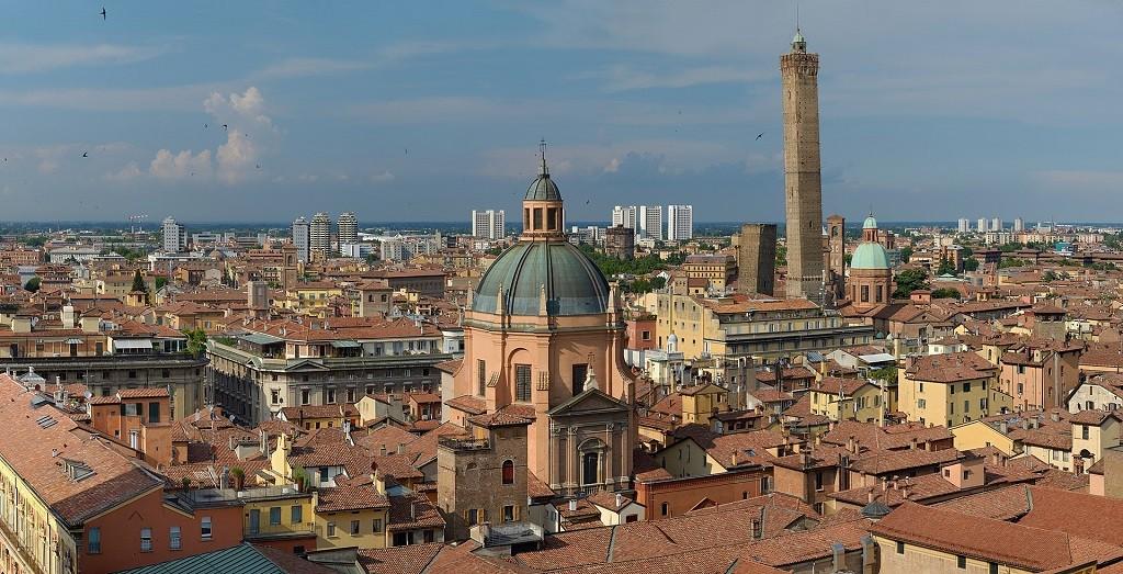Панорама Болоньи, где родился соус болоньезе