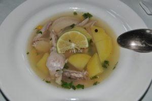 Римский суп из курицы с картофелем и кукурузой готов