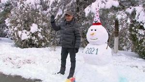 Бердымухамедов у снеговика
