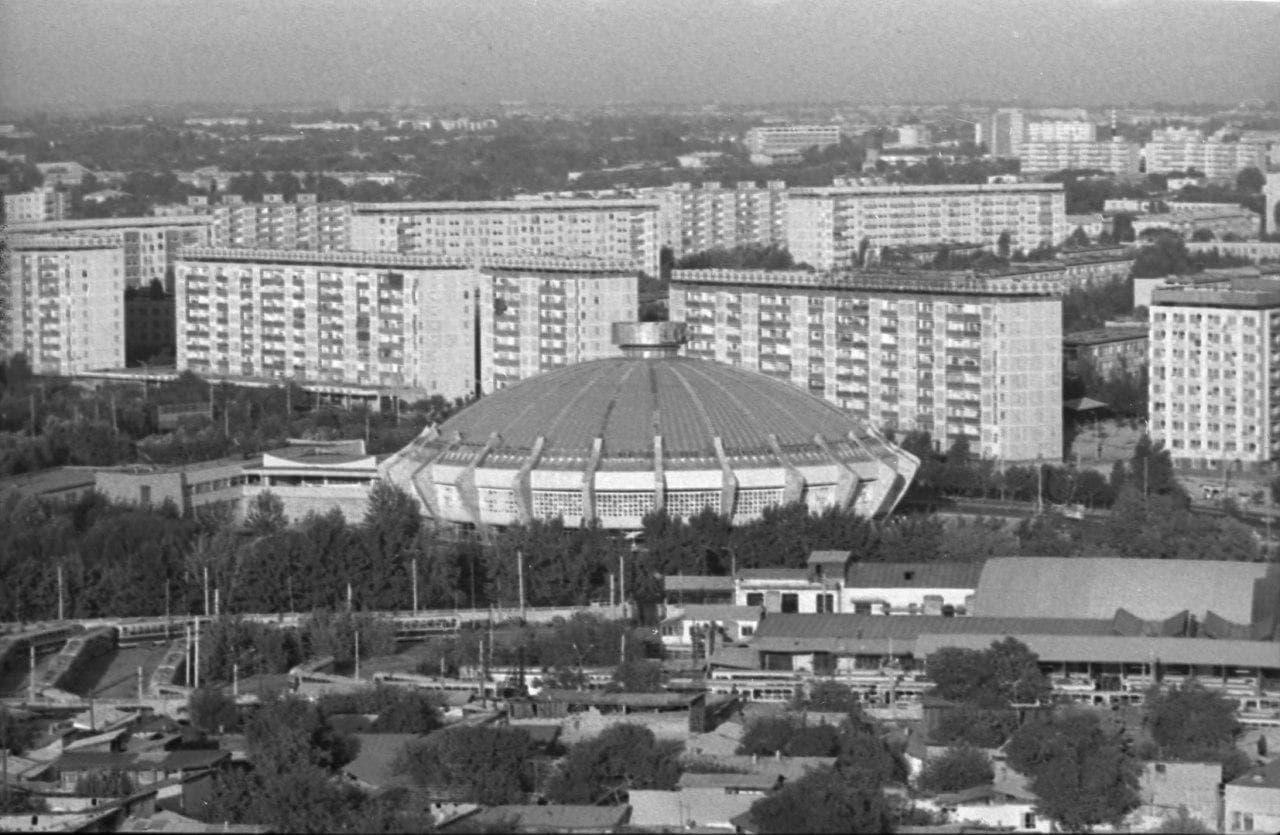 1986 год Вид на ташкентский цирк с гостиницы Москва Фотограф Наби Утарбеков