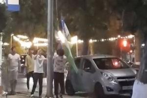 Воруют узбекский флаг